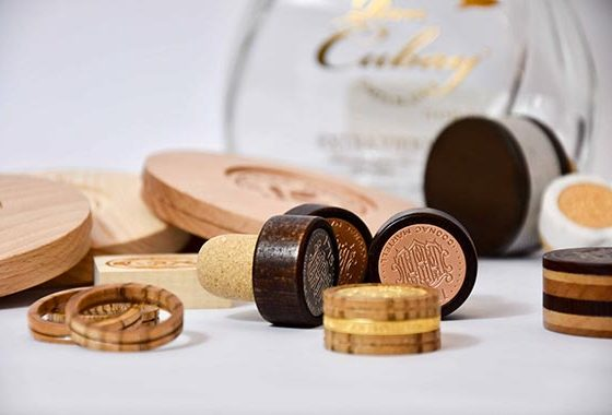 Personalized luxury wooden perfume caps